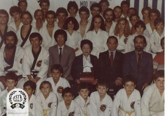 The founder and Mrs. Hwang Kee's visit to Greece during 1978. Nick Zouraris (21539), Anastasios Metaxas (20680), George Mallios (21910) Hong Rae Kim (8914), Mrs. Hwang Kee, The founder, John Polychroniou (20681) are seen in this photo.