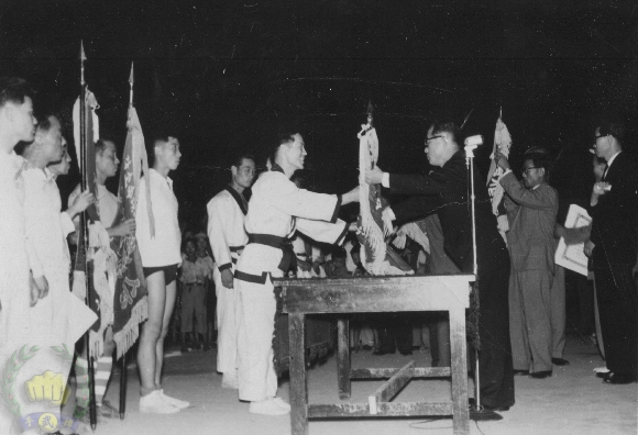 annual moo do contest at MOT Korea, Cho Hwan (80) receiving award