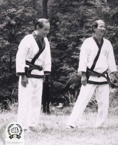 Founder is teaching at the Summer Camp at the Pathwalk Center, NY in July 1987. HC Hwang (509) is assisting the founder.