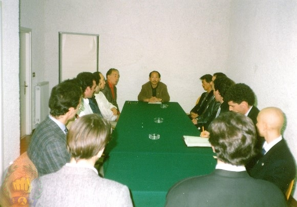 Meeting with Italian members regarding Kang Uk Lee conflicts.