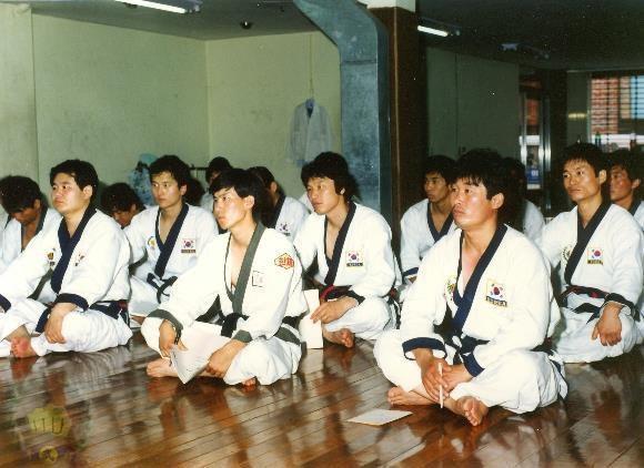 1990_GM_Cl...